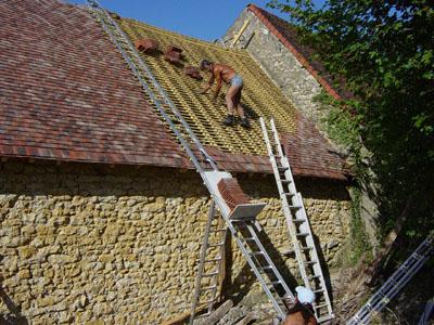 Page monte tuiles et monte materiaux ainsi que les kit de ma ons et de plaquistes dans le - Location echelle de toit ...